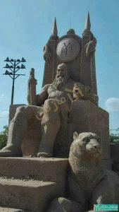 نماد همای سعادت در مجسمه امپراتور بلغارستان