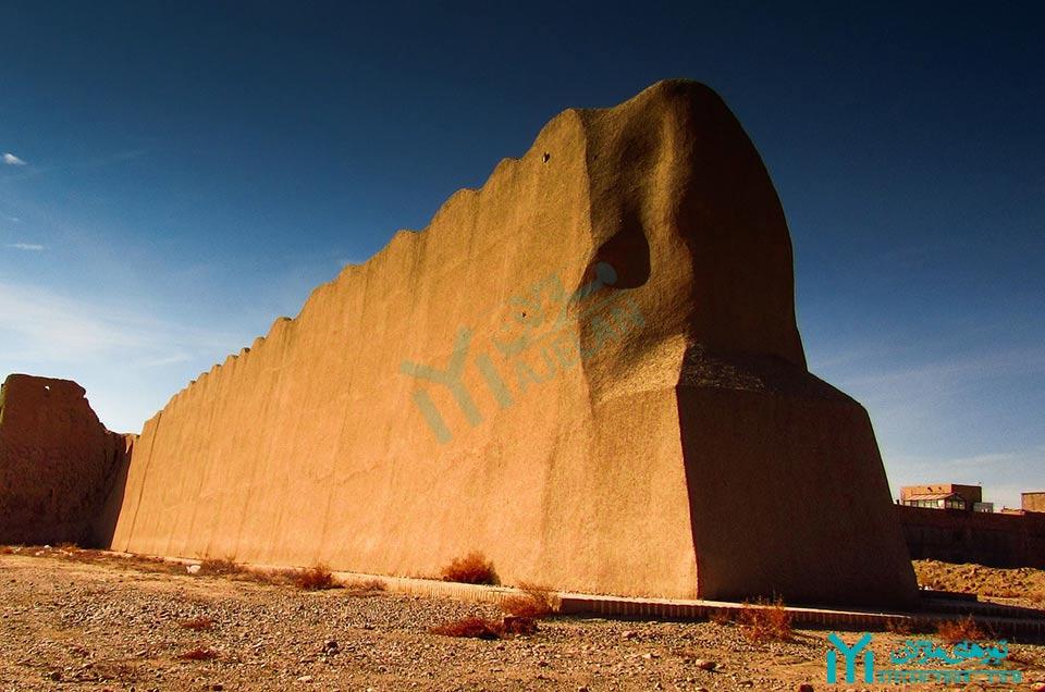 دیوار بارو - گردشگری دامغان
