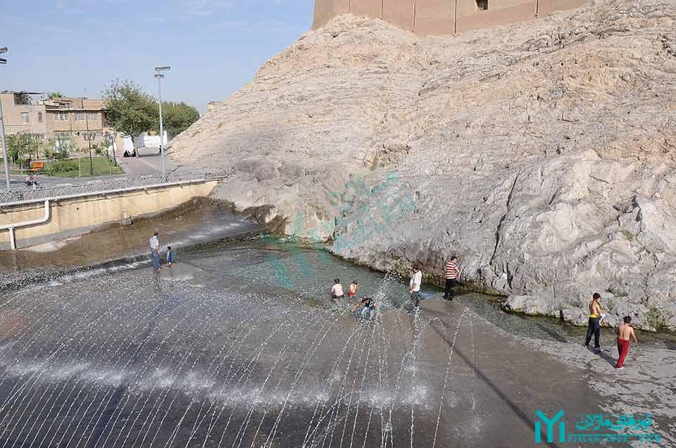 چشمه علی ری