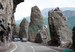 صخره های هفت خواهران - محور گردشگری کرج - چالوس